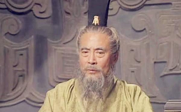 陈宫为何愿意跟随吕布却不愿跟随曹操是因为吕布比曹操厉害