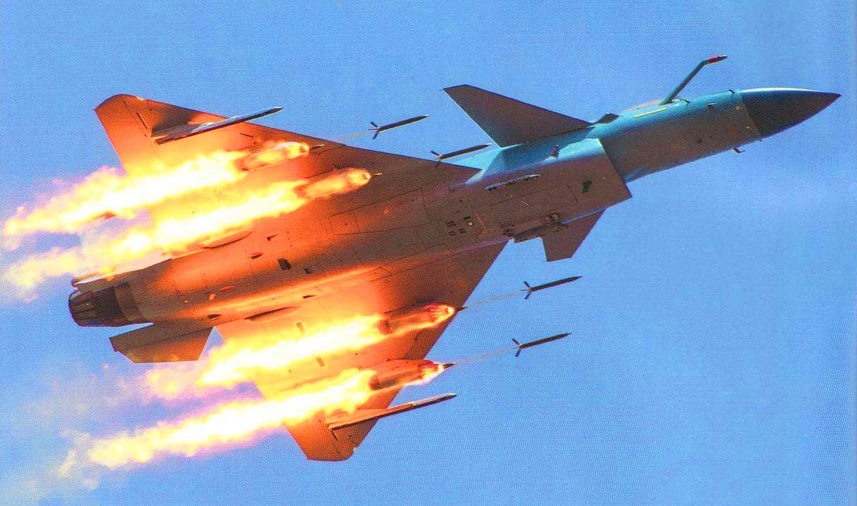 印巴形势严峻!歼16歼10C与巴铁空军会合,海军出动部分力量