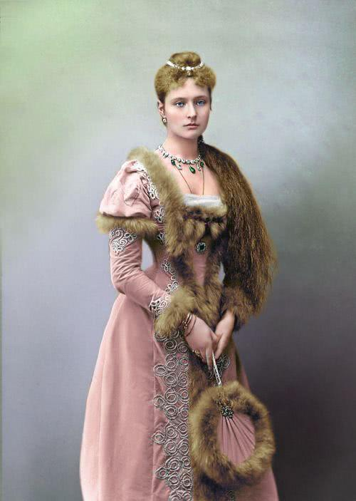 直击上世纪各国名媛的真容:个个都长相漂亮,最后一位是茜茜公主