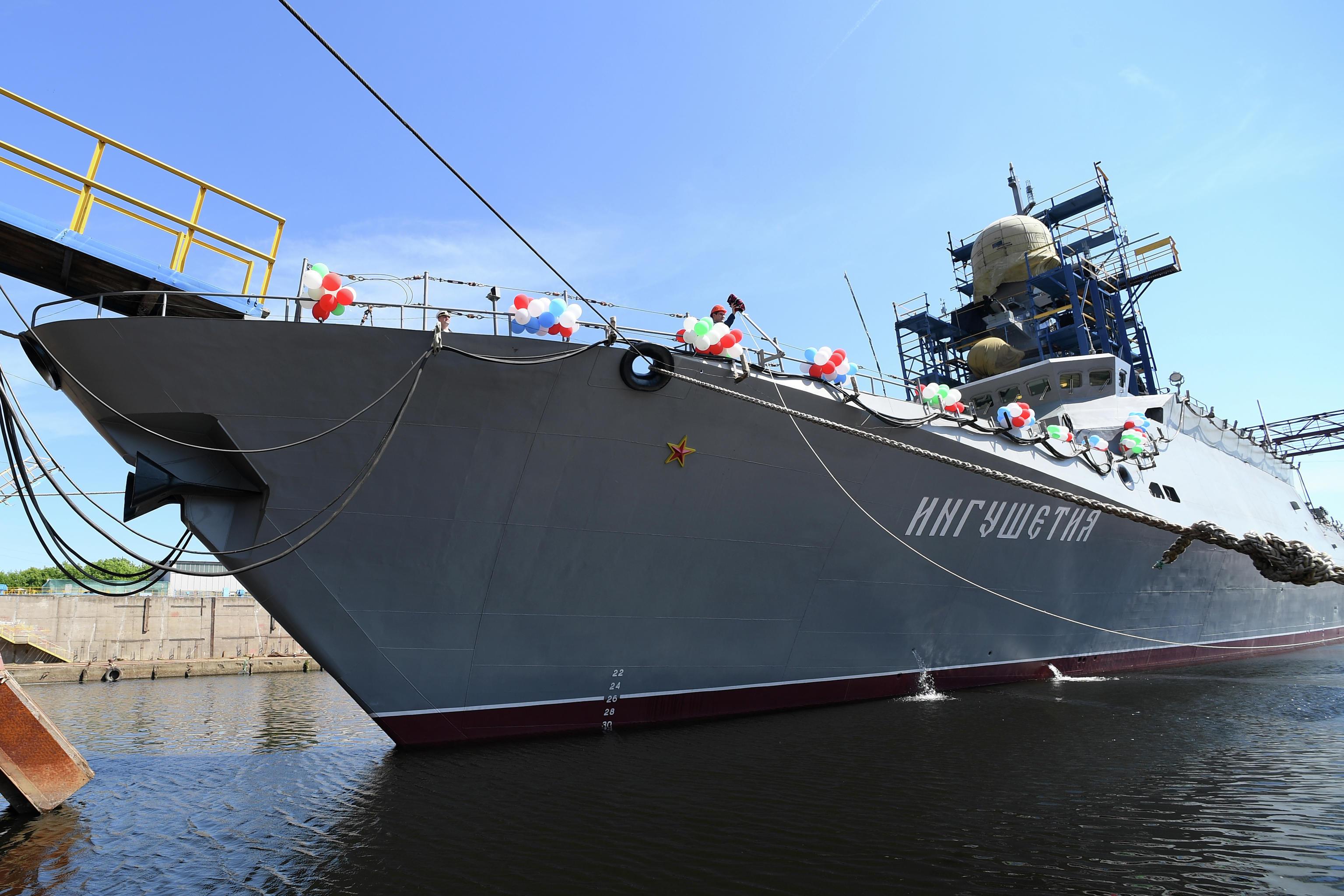 <b>俄罗斯新舰即将交付,采用中国发动机,俄网友:向强者学习不羞愧</b>