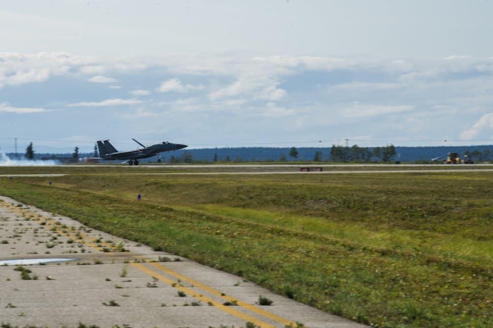 美空军推广战机前沿快速部署战术
