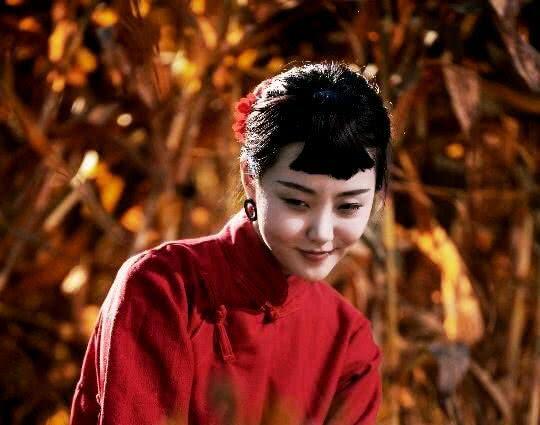 <b>蝶恋,一朵芙蓉楚楚怜,千般许,心醉红颜</b>