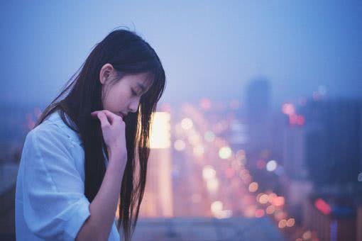 爱情里,异地恋的人都有这几种心酸的体验