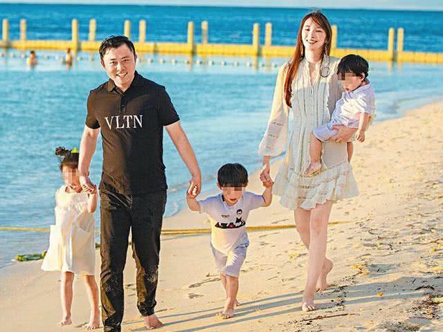 吴佩慈为纪晓波六年抱四公开再怀女儿,离生五孩目标又进一步
