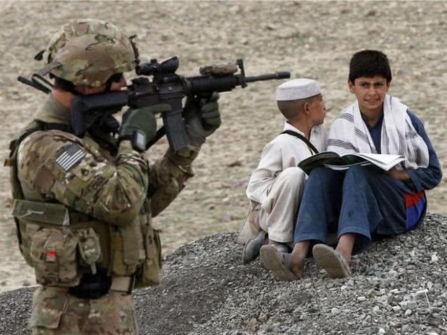 美国高级代表:希望和塔利班和平共处 阿富汗撤不撤军看情况