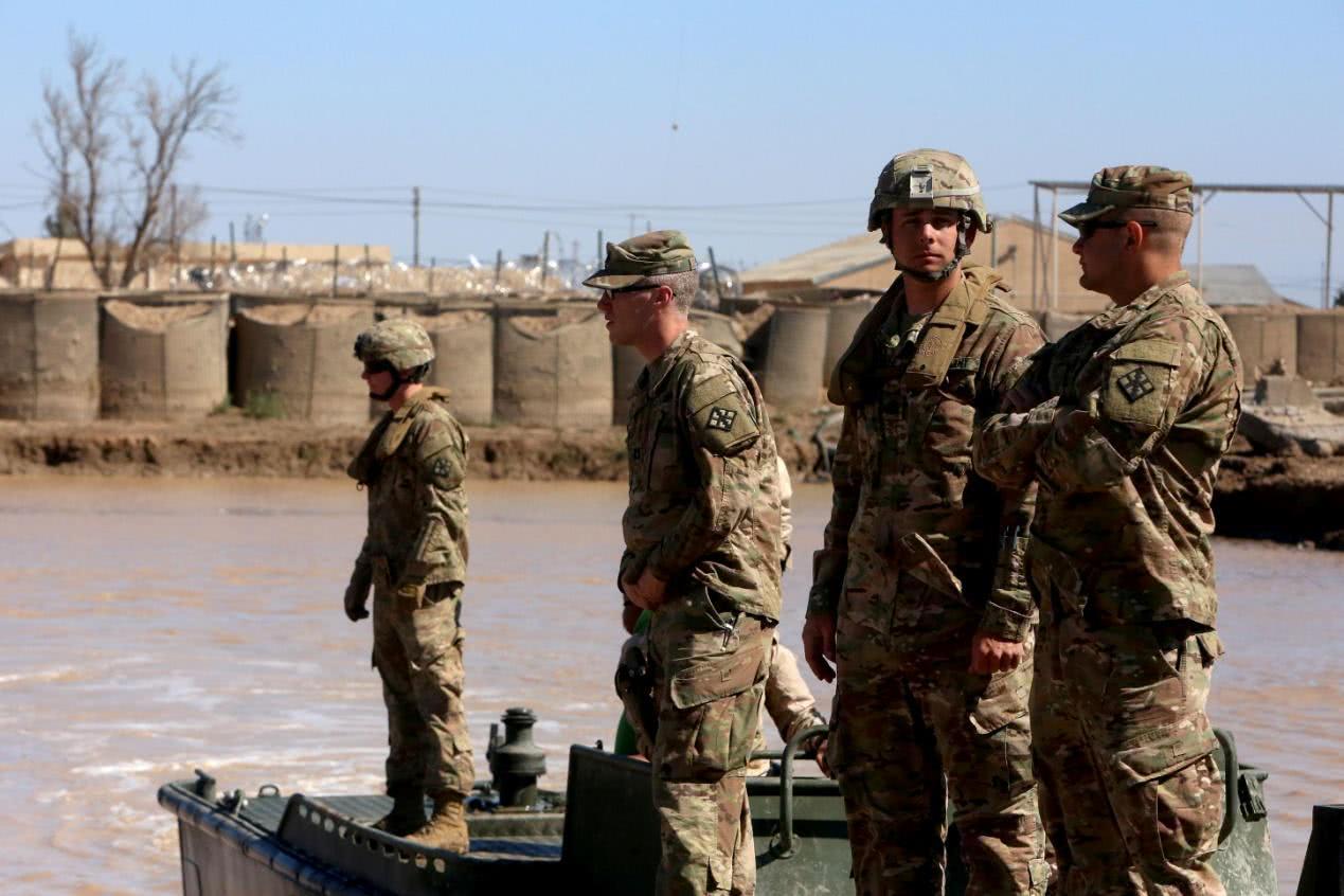 不明武装偷袭美军指挥部,当场死伤多人!军方:凶手太难找了