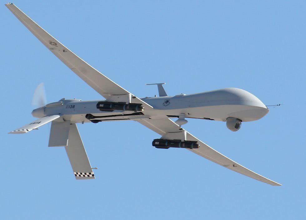 俄罗斯中将证实,美军指挥13架无人机,袭击俄军海外最大基地