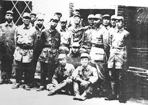 一个日本人阵亡,八路军为何冒死抢回遗体?战士失声痛哭