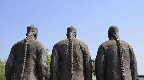 清朝要求所有人都留辫子,那秃顶和光头的人怎么办难道都出家