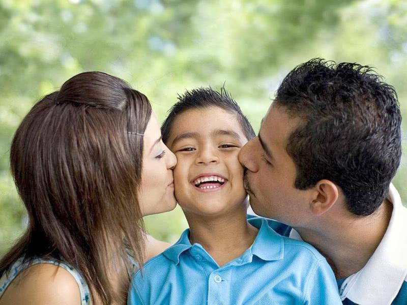 什么是高质量的陪伴?父母和孩子一起成长,不可能时刻陪伴孩子