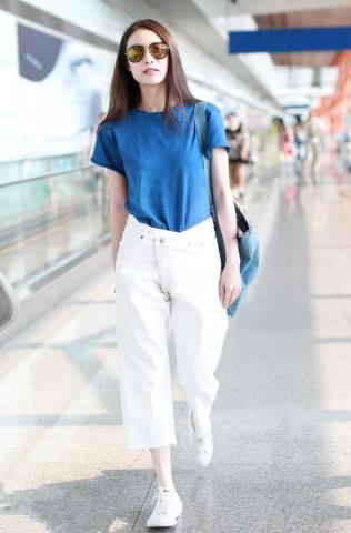 夏季的清爽套路公式:T恤配阔腿裤,悠闲又惬意