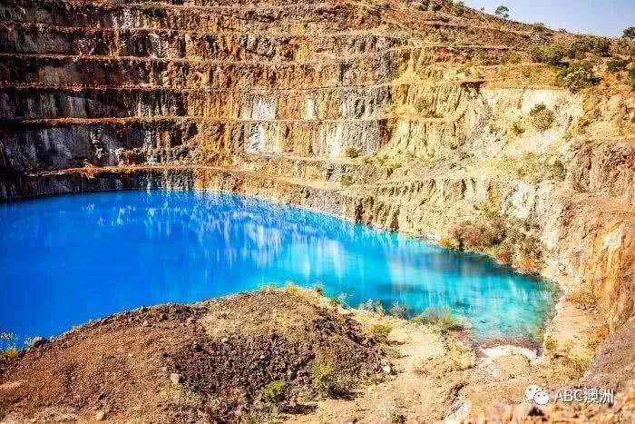 冒着被辐射的危险也要一睹它的美:昆州废弃矿区变身网红旅游点,你敢来打卡吗