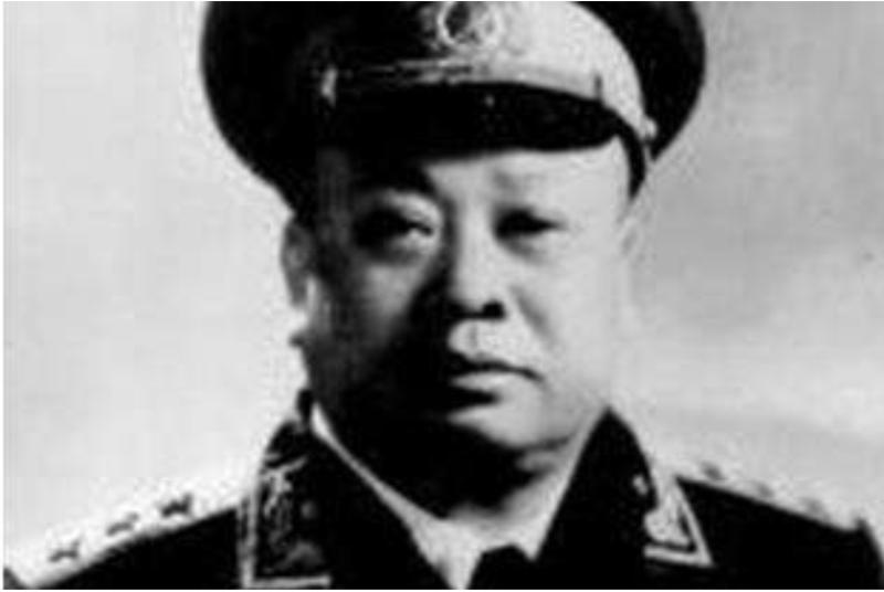 3万将校的授衔审核由此人说了算,他评定自己的衔级时领导有意见
