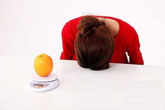 """减肥可以,但是别让""""病态减肥""""毁了你的人生"""