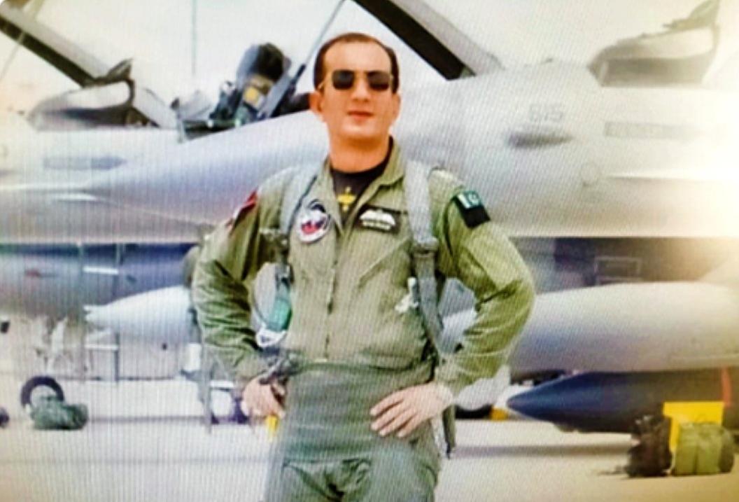 枭龙战果被确认,巴铁2名飞行员授勋,曾驾机击落米格21