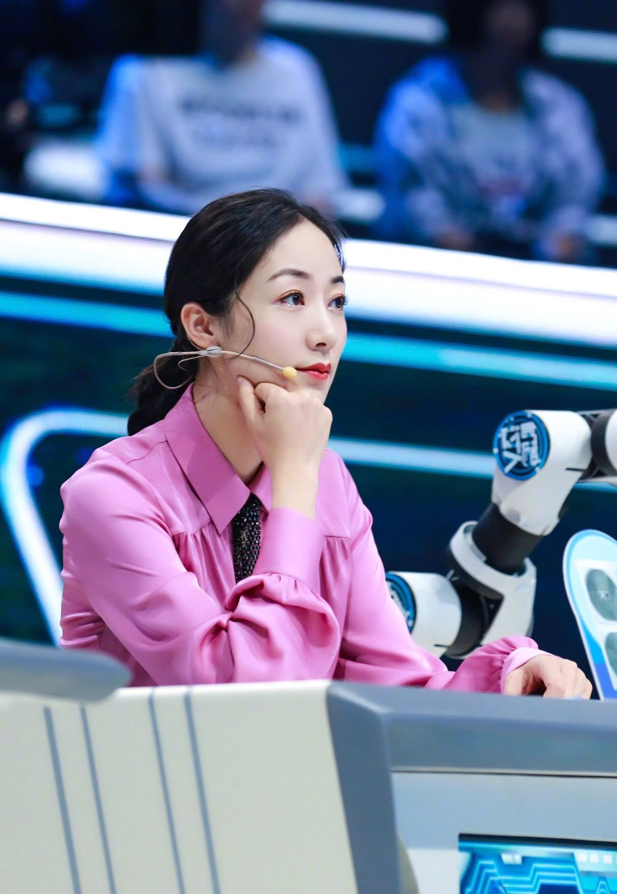 CCTV-1《机智过人》人工智能烹饪缔造美味韩雪高度饮食自律