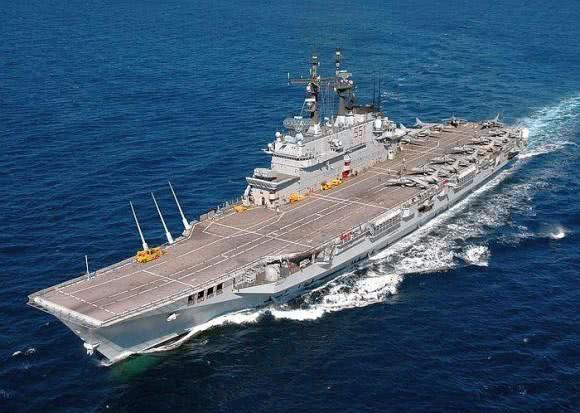 法航母逼近叙海岸100海里,跟随美国介入叙局势?俄轰炸机或回应