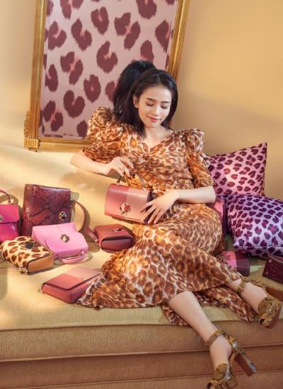 """25的她演""""女魔王""""走红,穿5千9的豹纹裙,野性魅力爆棚!"""