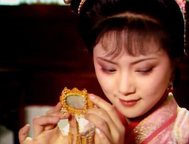 薛宝钗为何值得尊重?从对待贾环的态度上能找到答案