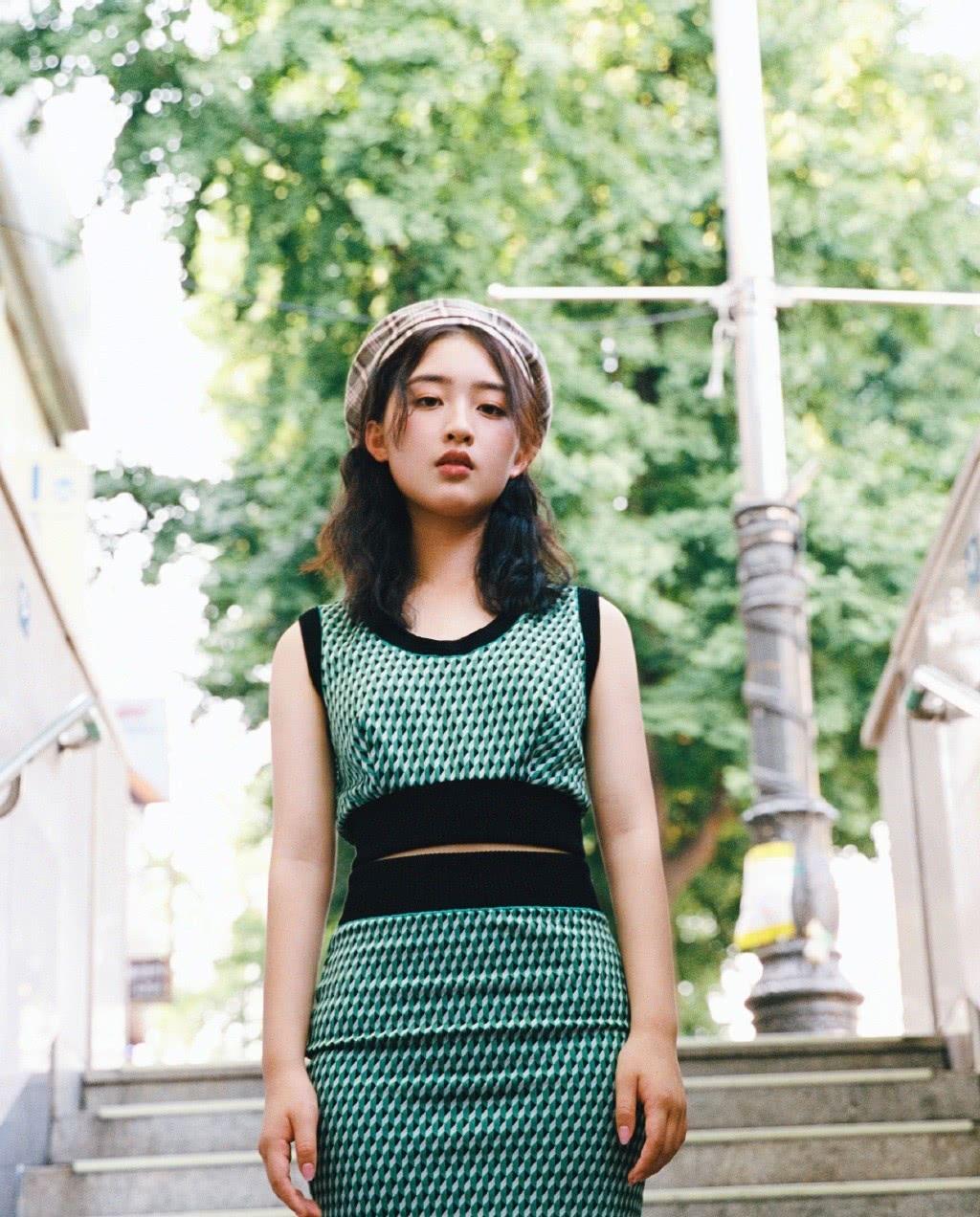 《无名之辈》她演陈建斌女儿,穿背心配紧身裙,成熟得不像14岁