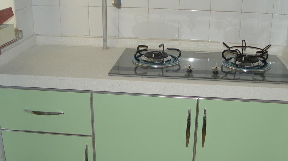 厨房油污重让人难以处理?教你几个小方法,轻轻松松去油污