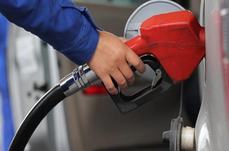 新能源汽车发展缓慢,如何才能加快?专家:支持油价狠涨