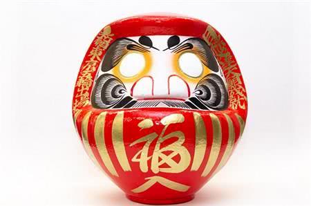 女排奥运资格赛战利品出炉:日本达摩娃娃!不倒翁造型寓意很励志