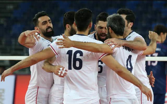 遗憾+激烈!韩国男排13-15惜败伊朗队,中国男排夺冠希望大大降低