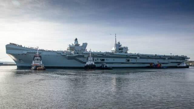 6.5万吨航母首次海试,搭载36架五代机,明年服役开启双航母