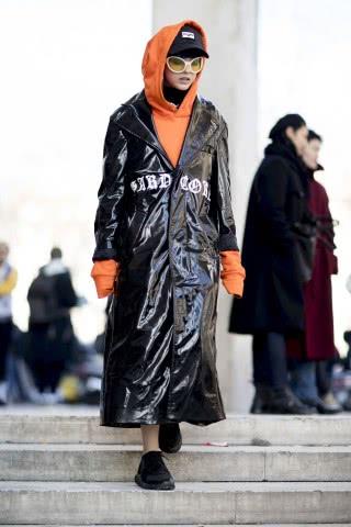 宽松卫衣怎么搭配外套好看?教你吸引人注意的单品搭配