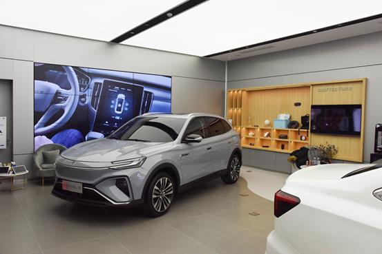 奥迪将推出电动拉力赛车,新款领克01硬件提升明显
