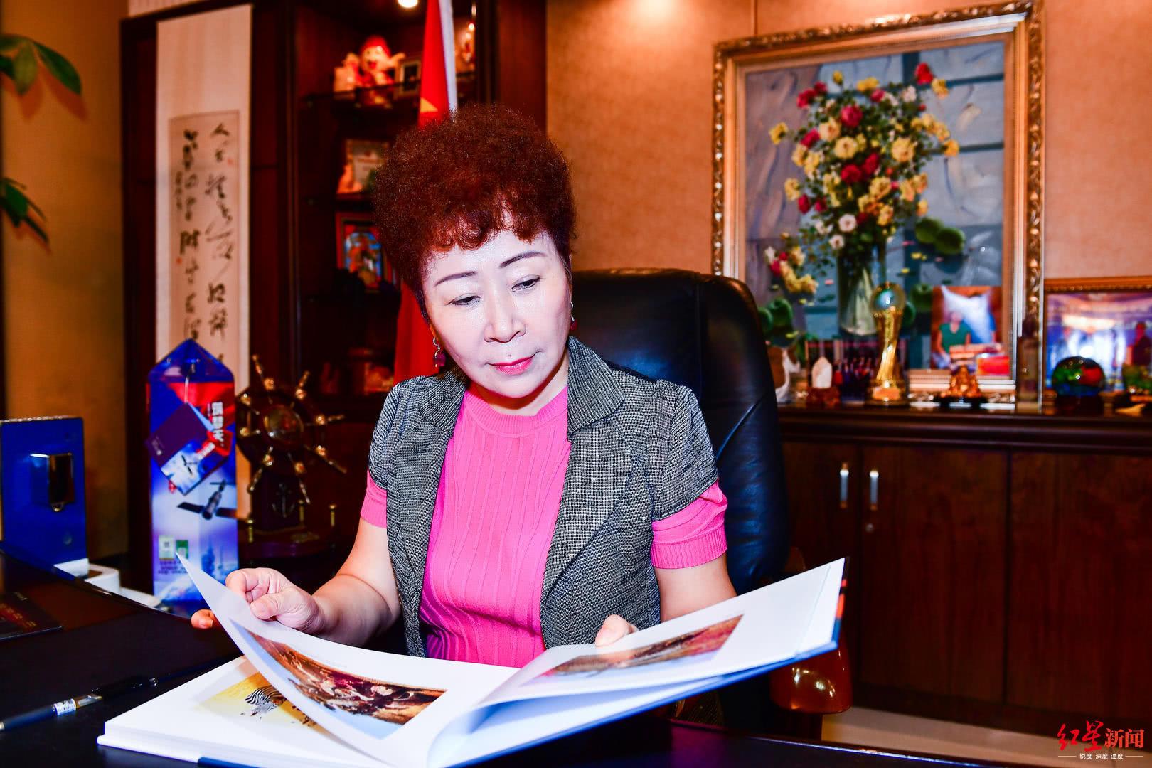 红旗连锁半年报出炉 董事长曹世如解读高速发展关键因素