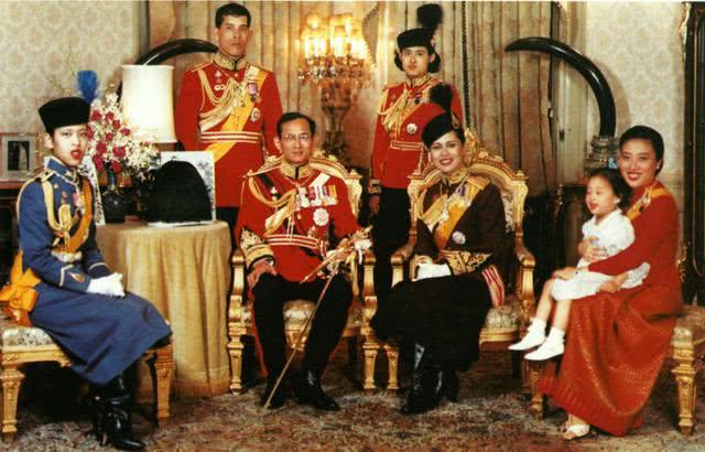 泰国公主曾表白林志颖被拒,如今42岁隐婚生子,原因令人意外