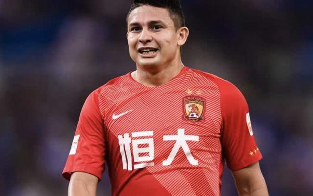 又一归化球员!某中超球队邀华裔球员试训 天才边锋16场轰4球