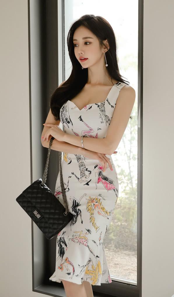 美人美图 孙允珠:曼哈顿水笔涂鸦炫彩时尚衣裙