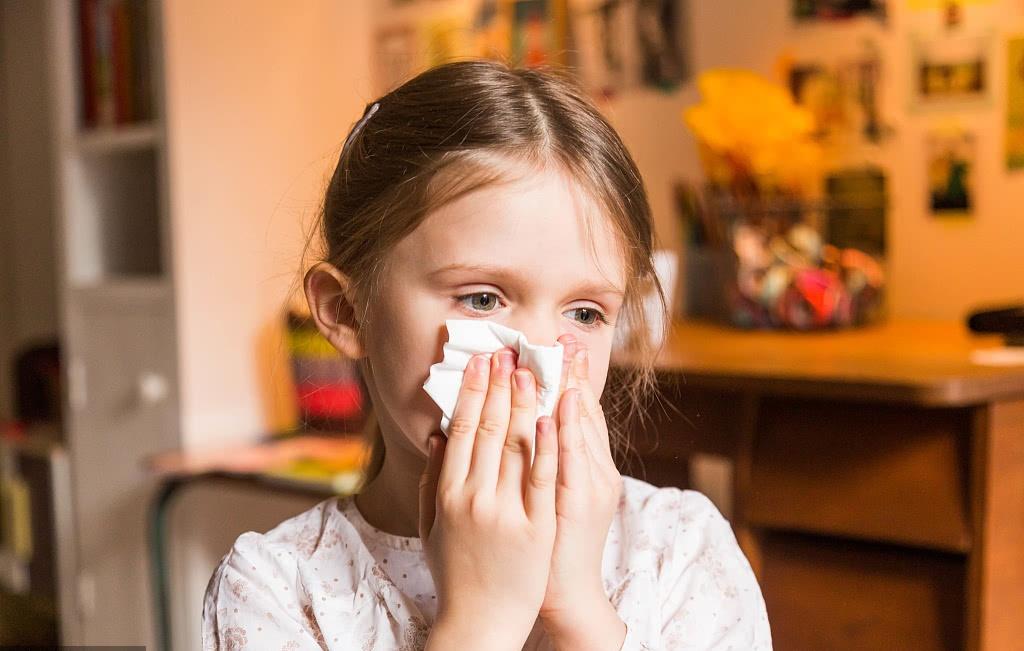 多少家长把儿童鼻炎当成感冒过敏性鼻炎的三大危害,家长知道吗
