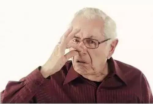 """人过五十,不想提早出现""""老人味"""",谨记,4件事最好少做"""