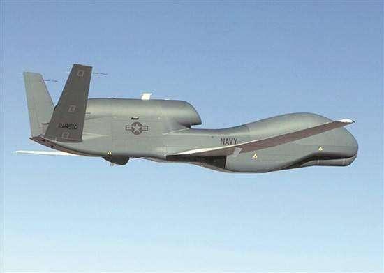 美军侦察机连续逼近,窥探半岛军力部署,S400为何不敢开火?
