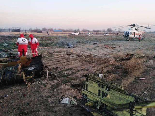 中东局势彻底失控!一架波音客机在伊朗坠毁,机上176人全部遇难