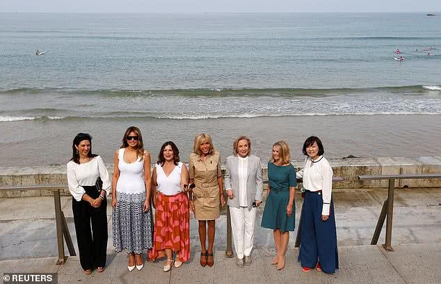 G7峰会太太团海边漫步!布丽吉特安倍昭惠太保守,梅拉尼娅性感