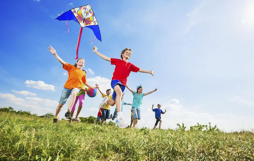 给孩子仪式感,没那么复杂,最简单的比如每周一起爬个山
