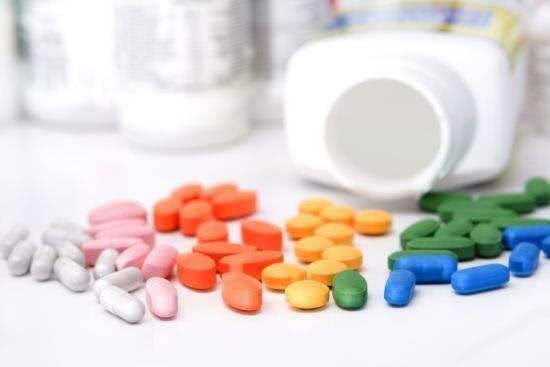 辟谣:抗生素不等于消炎药,别再乱吃了