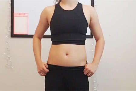 女生每天在家做7个徒手动作,坚持1个月后,看她的身材改变