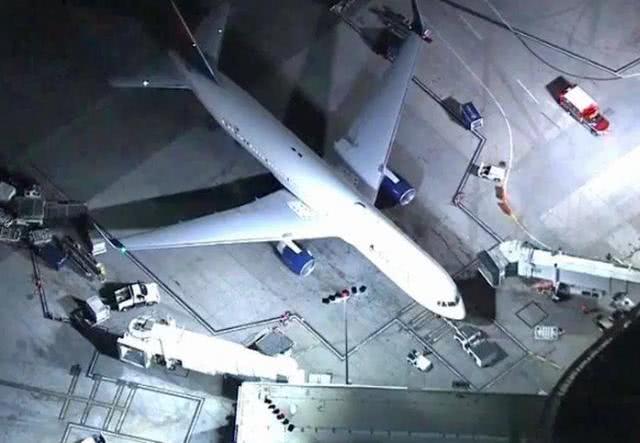 10岁华裔小女孩乘坐美国航班时心脏骤停,不幸猝死
