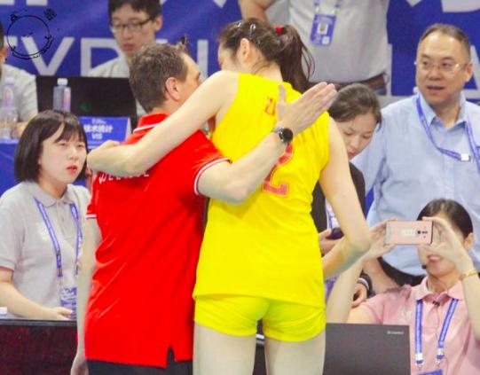 朱婷恩师0比3大败喊话朱婷:东京奥运后等你回来!朱婷这样回应