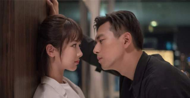 李现凭借《亲爱的热爱的》走红,谁想到他还演过《微微一笑》!