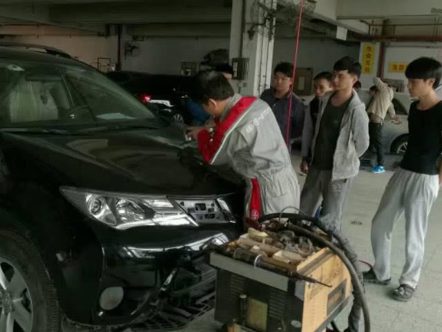 汽车维修更换以下几个部件,旧件要带走不要便宜了修车