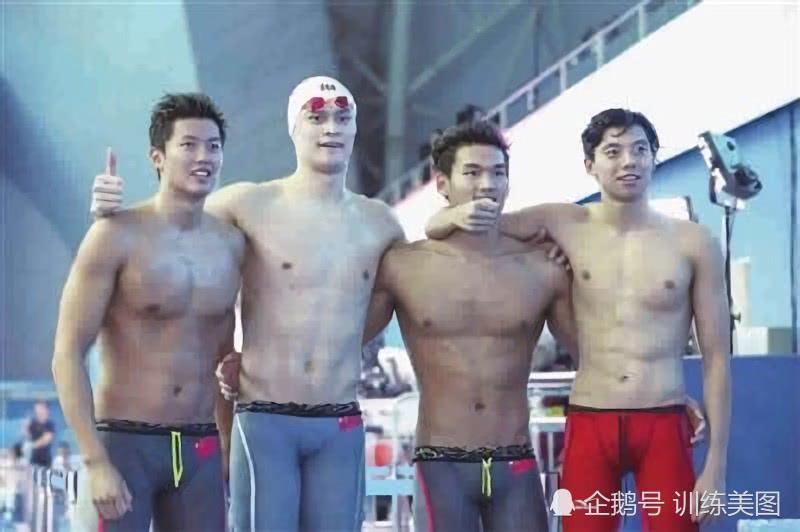 中国游泳接力梦之队,劲爆的身材,健硕的肌肉,成为泳池风景线