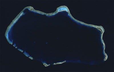 如果将一块石头扔到太平洋,它是石沉海底还是被高压碾碎?