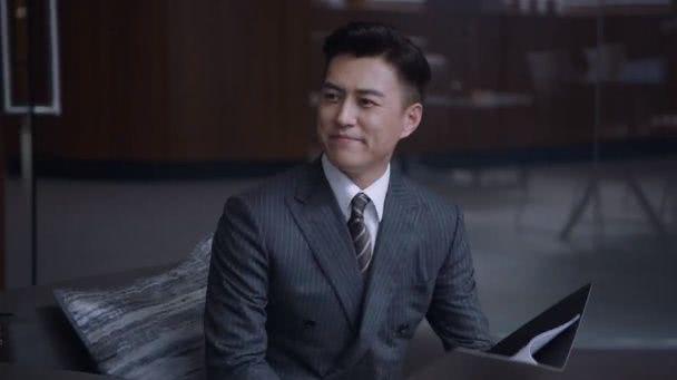《精英律师》罗槟桃花太旺,3位女主都与他有感情纠葛,他却选了最普通的她